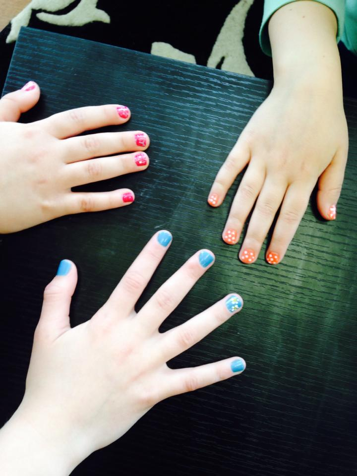 copy37_Kids nails